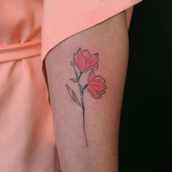 tatuaż czerwony kwiat